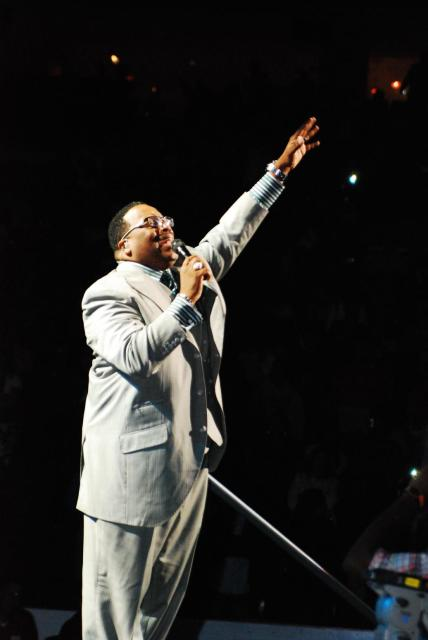 Marvin Sapp singing The Best In Me & Never Would Have Made It
