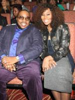 Marvin Sapp and Yolanda Adams pause for a photo