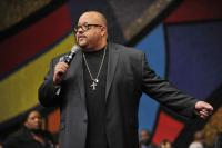 Fred Hammond tells how the Winans introduced him to Andrae Crouch