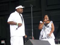 Jimmy Hicks and sister Diana sing Move