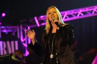 Crystal Lewis performs at BMIs 2009 Trailblazers of Gospel event, honoring CeCe Winans